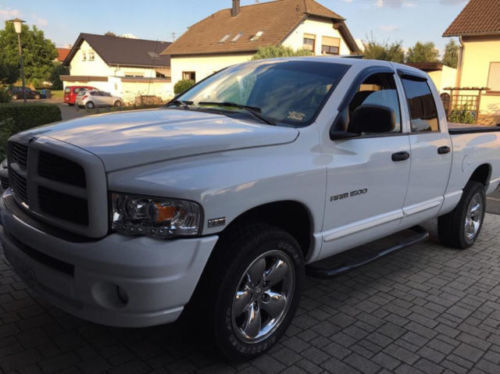 verkauft dodge ram hemi quad cab top g gebraucht 2005 km in badem. Black Bedroom Furniture Sets. Home Design Ideas