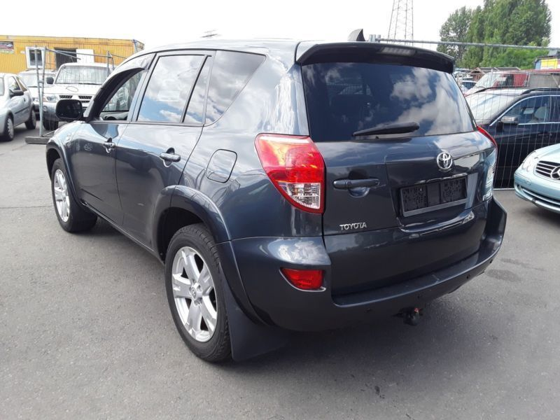 verkauft toyota rav4 executive d cat 4 gebraucht 2006 km in berlin. Black Bedroom Furniture Sets. Home Design Ideas