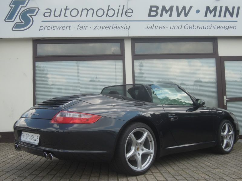 verkauft porsche 911 cabrio unfallfrei gebraucht 2008 km in oldenburg. Black Bedroom Furniture Sets. Home Design Ideas