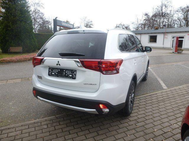 verkauft mitsubishi outlander plus 2 2 gebraucht 2017 km in kamenz. Black Bedroom Furniture Sets. Home Design Ideas