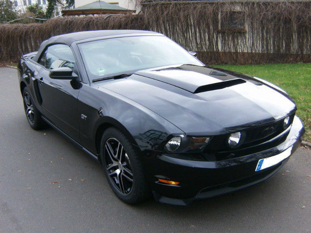 verkauft ford mustang gt gt premium 4 gebraucht 2010. Black Bedroom Furniture Sets. Home Design Ideas