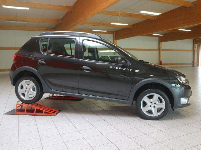 verkauft dacia sandero stepway 0 9 tce gebraucht 2013 km in jena. Black Bedroom Furniture Sets. Home Design Ideas