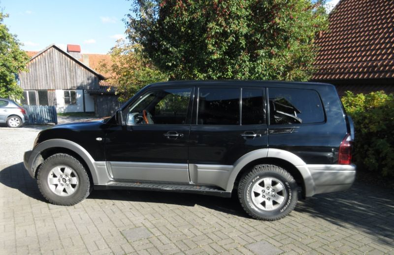 verkauft mitsubishi pajero 3 2 di d av gebraucht 2003 km in hattingen. Black Bedroom Furniture Sets. Home Design Ideas