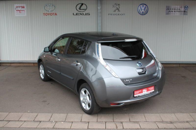 leaf gebrauchte nissan leaf kaufen 226 g nstige autos zum verkauf. Black Bedroom Furniture Sets. Home Design Ideas