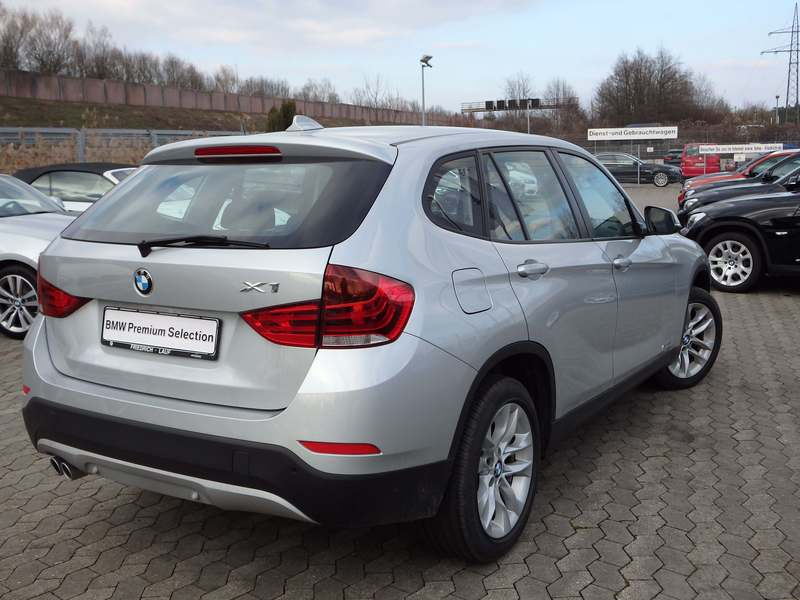 verkauft bmw x1 sdrive20i gebraucht 2015 800 km in lauf. Black Bedroom Furniture Sets. Home Design Ideas
