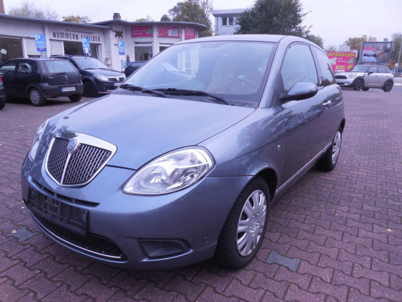 gebraucht 1 4 16v platino lancia ypsilon 2009 km in frankfurt. Black Bedroom Furniture Sets. Home Design Ideas