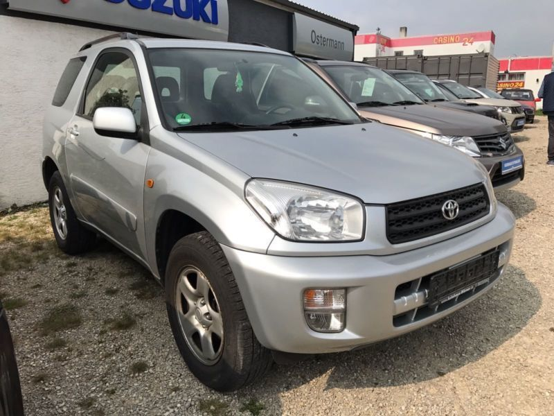 verkauft toyota rav4 4x4 gebraucht 2001 km in m nchen. Black Bedroom Furniture Sets. Home Design Ideas