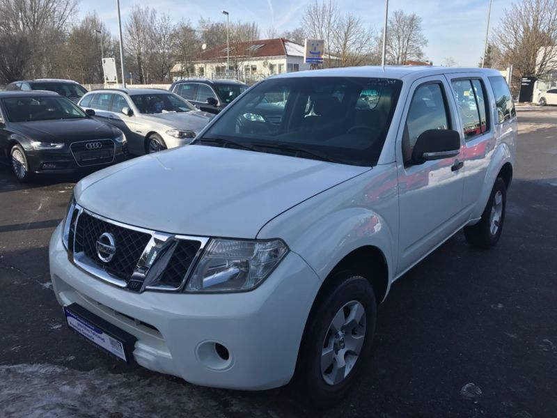 verkauft nissan pathfinder 2 5 dci se gebraucht 2010 km in moosburg. Black Bedroom Furniture Sets. Home Design Ideas