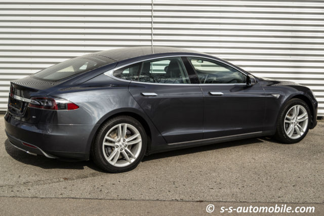 verkauft tesla model s 85kwh 19 tech gebraucht 2014 6. Black Bedroom Furniture Sets. Home Design Ideas
