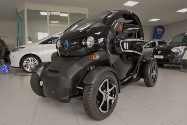 verkauft renault twizy intens wei zu gebraucht 2016 km in braunschweig. Black Bedroom Furniture Sets. Home Design Ideas