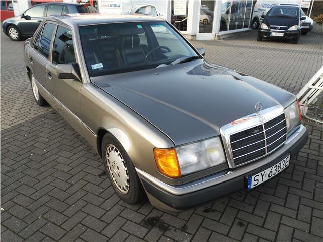 Verkauft mercedes e300 4matic gebraucht 1990 km for Mercedes benz 1990 e300