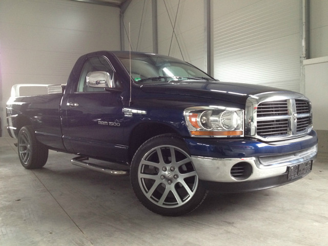 verkauft dodge ram 1500 5 7 hemi srt gebraucht 2006. Black Bedroom Furniture Sets. Home Design Ideas