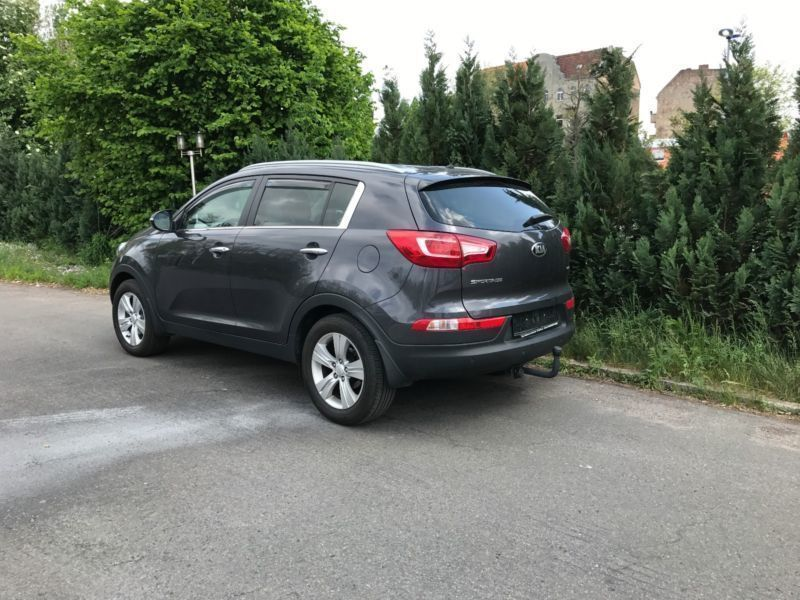 verkauft kia sportage 1 7 crdi 2wd kam gebraucht 2013 km in berlin. Black Bedroom Furniture Sets. Home Design Ideas