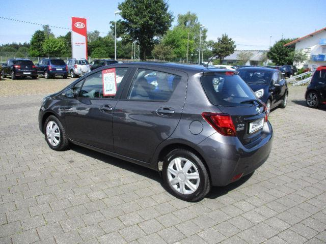 verkauft toyota yaris comfort al gebraucht 2015 15 km in dresden. Black Bedroom Furniture Sets. Home Design Ideas