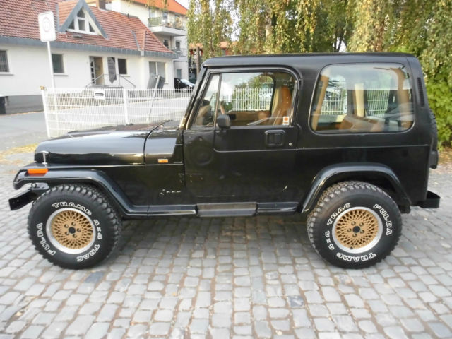 verkauft jeep wrangler yj 4 0 limited gebraucht 1992 km in paderborn. Black Bedroom Furniture Sets. Home Design Ideas