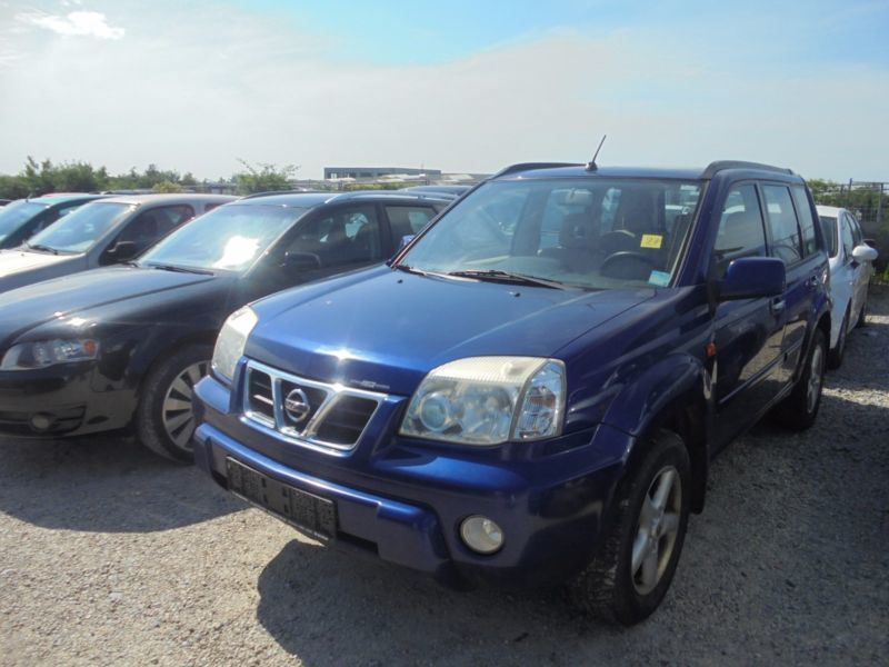 verkauft nissan x trail 2 2 di 4x4 com gebraucht 2002 km in paderborn. Black Bedroom Furniture Sets. Home Design Ideas