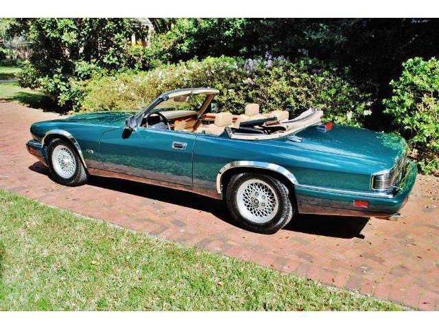 xjs gebrauchte jaguar xjs kaufen 145 g nstige autos zum verkauf. Black Bedroom Furniture Sets. Home Design Ideas