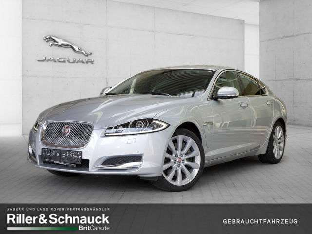 verkauft jaguar xf 3 0 v6 diesel pdc s gebraucht 2015. Black Bedroom Furniture Sets. Home Design Ideas
