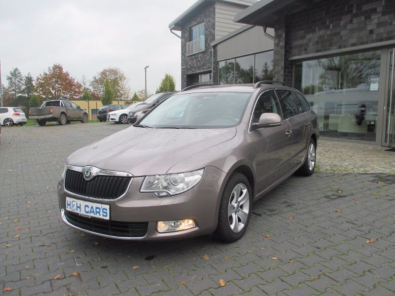 verkauft skoda superb combi ambition gebraucht 2011 km in uelzen. Black Bedroom Furniture Sets. Home Design Ideas