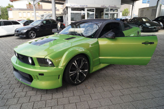 verkauft ford mustang v8 gr n tuning gebraucht 2007 100. Black Bedroom Furniture Sets. Home Design Ideas