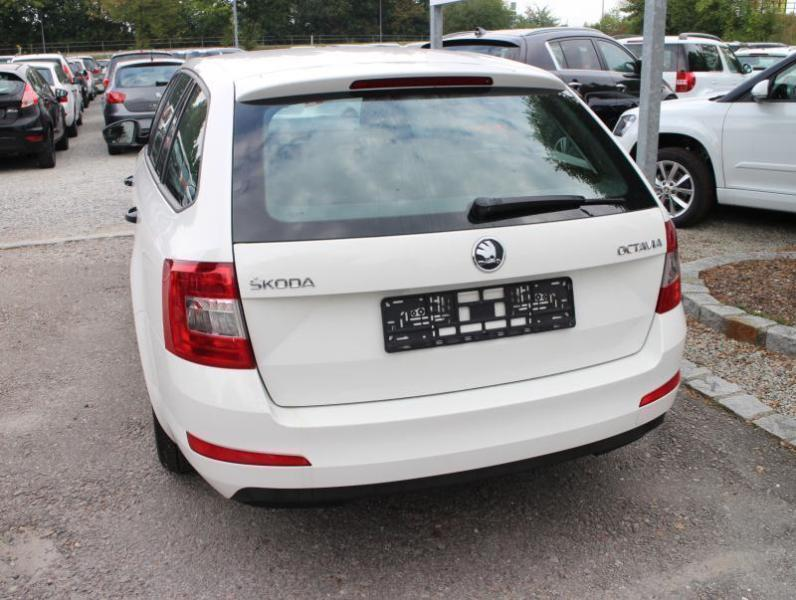 verkauft skoda octavia combi iii 1 2 t gebraucht 2014 km in straubing. Black Bedroom Furniture Sets. Home Design Ideas