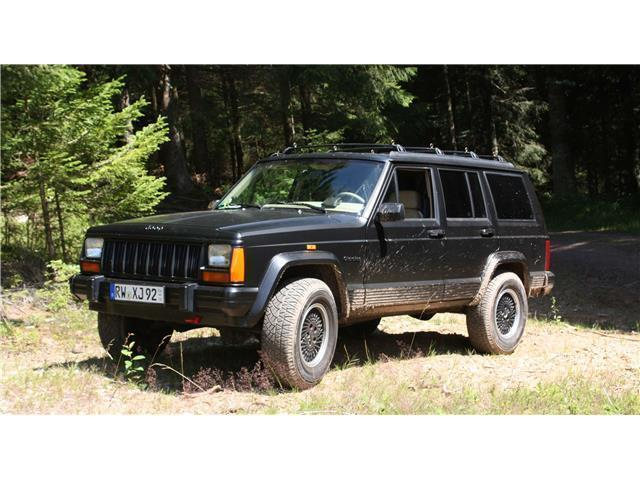 verkauft jeep cherokee 4 0 automatik l gebraucht 1992 km in illingen. Black Bedroom Furniture Sets. Home Design Ideas