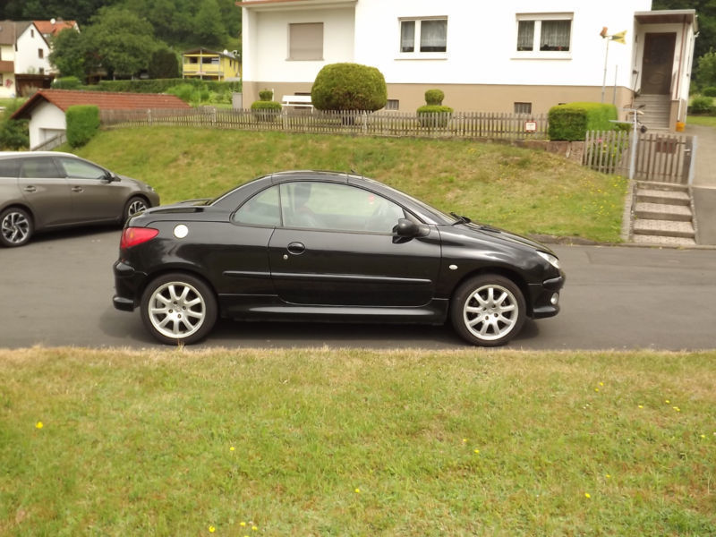 verkauft peugeot 206 cc gebraucht 2004 km in mecklar. Black Bedroom Furniture Sets. Home Design Ideas