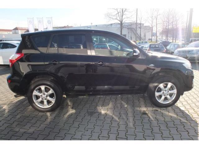 gebraucht life automatik wr aus 1 hand toyota rav4 2011 km in leipzig. Black Bedroom Furniture Sets. Home Design Ideas