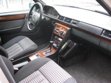 verkauft mercedes 220 w 124te automatik gebraucht 1993 km in cloppenburg. Black Bedroom Furniture Sets. Home Design Ideas
