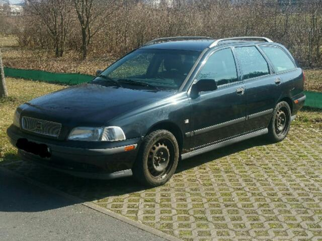 verkauft volvo v40 1 8 gebraucht 1998 km in litzlohe. Black Bedroom Furniture Sets. Home Design Ideas