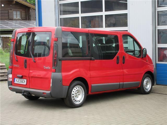 verkauft renault trafic 2 bus 9 sitzer gebraucht 2005 km in saalfeld. Black Bedroom Furniture Sets. Home Design Ideas
