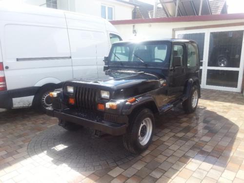verkauft jeep wrangler 2 5 89kw gebraucht 1995. Black Bedroom Furniture Sets. Home Design Ideas