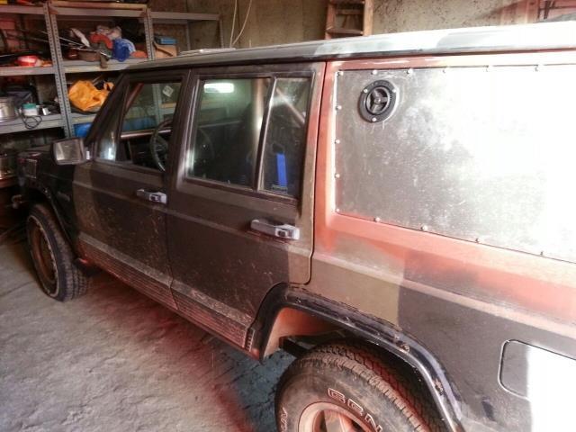 verkauft jeep cherokee 4 0 euro gebraucht 1992 km in lauchhammer. Black Bedroom Furniture Sets. Home Design Ideas