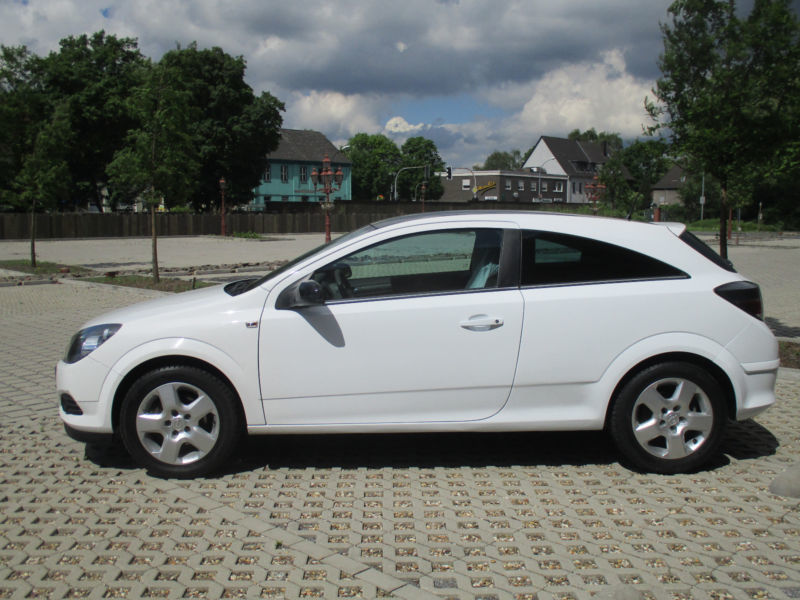 verkauft opel astra gtc 1 7 cdti dpf e gebraucht 2009 km in dortmund. Black Bedroom Furniture Sets. Home Design Ideas