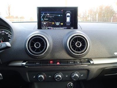 gebraucht Audi A3 Sportback Sport 1,6 TDI S tronic - Xenon Navi PDC Alu Sitzheizung
