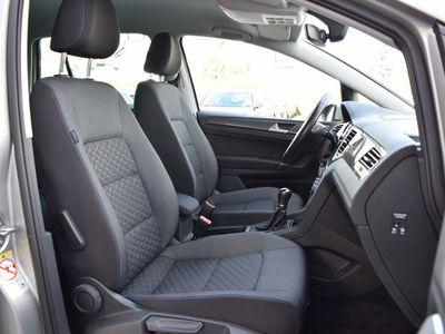 gebraucht VW Golf Sportsvan 1.5 TSI BMT | NAVI schwarz