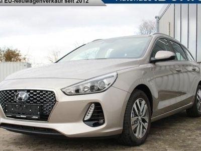 käytetty Hyundai i30 Kombi 2018 Style 1.4 T-GDI Sicherheitspaket, SHZ, Einparkhilfe vorne und hinten