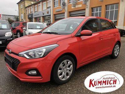 gebraucht Hyundai i20 1.2 Benzin/Klima/Start-Stop Auto.