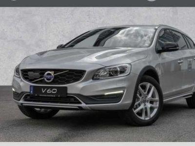 gebraucht Volvo V60 CC D4 Geartronic Momentum, 31% Preisnachlass zur U