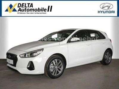 gebraucht Hyundai i30 1,4 T-GDI blue Trend DCT, BTH, SHZ, PDC