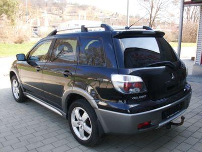 gebraucht Mitsubishi Outlander 2.4 4WD Intense