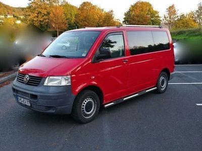 gebraucht VW Caravelle T5 9-sitzer rot 1.9 TDI Transporter