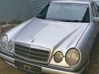 gebraucht Mercedes E200 E-Klasse Lim.Elegance Klima-SHZ