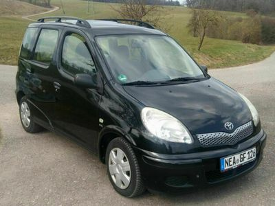 gebraucht Toyota Yaris Verso 1.3 Automatik als Van/Kleinbus in Leinburg