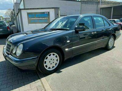 gebraucht Mercedes E220 1Hand 105Tkm Original Klima...............