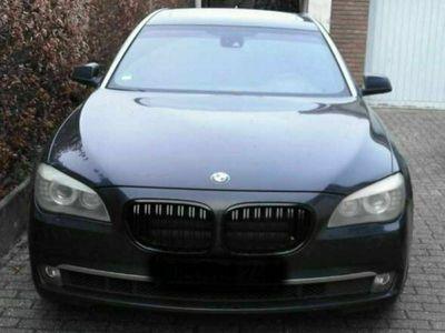 gebraucht BMW 740L i F02, Bj.2009, 83500km