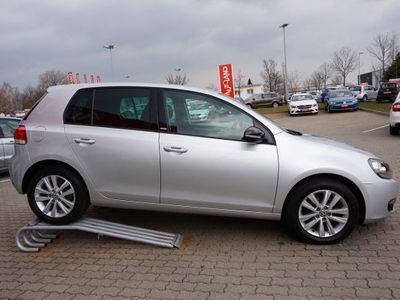 gebraucht VW Golf VI 1.6 TDI Style DSG PDC SHZ AHK ALU AAC TEMP