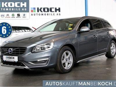 gebraucht Volvo V60 CC D3e Momentum Aut A DriverA PDC Navi onCall