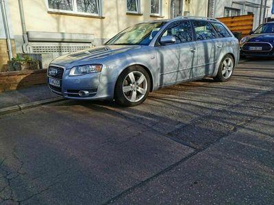 gebraucht Audi A4 Avant 2.0 T FSI multitronic als Kombi in Völklingen