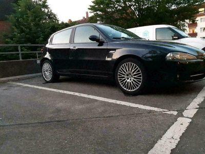 gebraucht Alfa Romeo 147 Ich verkaufe meinemit lpg gas als Kleinwagen in Hamburg Dulsberg